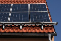 Teplovodni solarni kolektory i nstalace s pochozi konstrukci