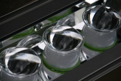 Energeticky usporne exterierove LED svitidlo detail reflektoru s pridavnymi cockami 2